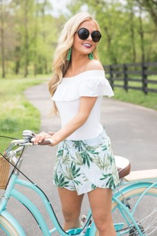 Newest Summer Beach Outfits Ideas For Women 201925