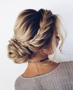 Unique Bun Hairstyles Ideas That Youll Love07