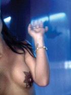 Britney Spears topless-3