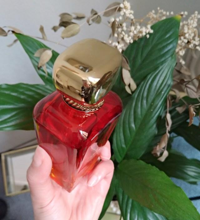 Kelsey Berwin Al Mazyoona Parfum