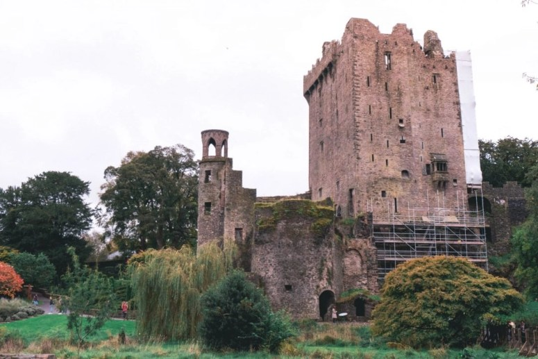 How NOT to Kiss the Blarney Stone // A Day Trip to Blarney Castle from Cork City