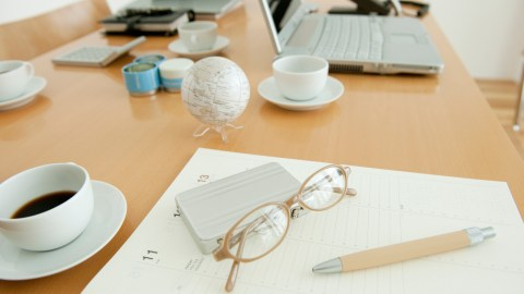 An organized desk illustrates the CBT practice of having everything in front of you needed to complete a task and nothing distracting.