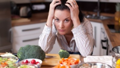 For adults with ADHD, dinnertime isn't always easy. Balancing grocery shopping, meal planning, and busy schedules can overwhelm even the most organized moms — but add ADHD to the mix, and evenings become a grumpy, tired, haggard routine. Here are some simple tips and tricks to make dinnertime easier thanks to a little creativity and out-of-the-box thinking.
