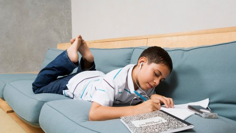 Students like this one with a good paper management system, a good school organization idea, will be much more prepared.
