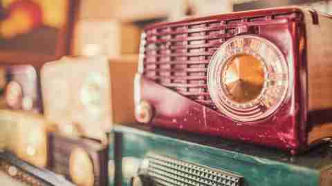 Antique radios on which adults with ADHD can play audio books for pleasure or learning
