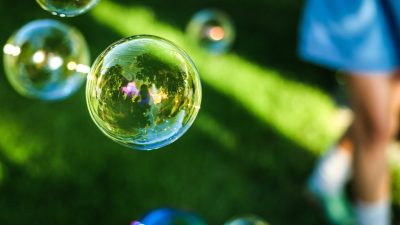 Try to help your ADHD child with organizational systems before the bubble bursts