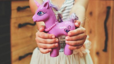 Toy sharing can cause problems on playdates