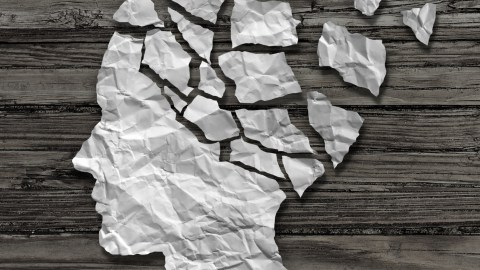Paper head falling apart; memory loss is a sign of adult ADHD
