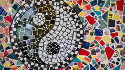 ADD vs ADHD: ADD Symptoms vs. ADHD symptoms visualized as a yin yang mosaic