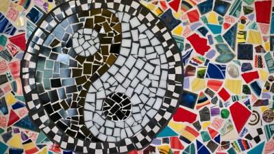 ADD vs ADHD: ADD Symptoms vs. ADHD symptoms visualized as a yin yang mosaic