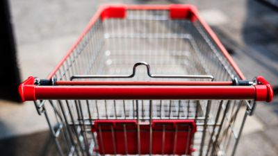 a shopping cart, symbolizing an ADHD extrovert