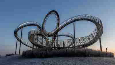 Roller coaster signifying ADHD negativity loops
