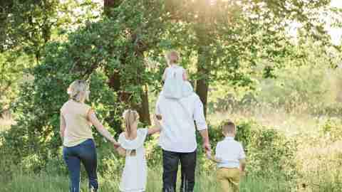 family-hike-adhd-social-distancing