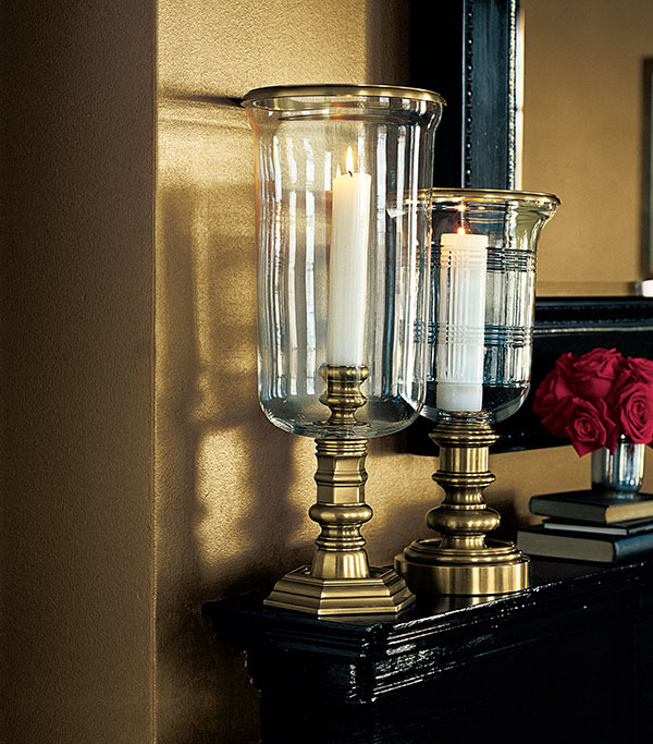 Ralph Lauren Speciality Paints, Burnished gold metallic accent wall.