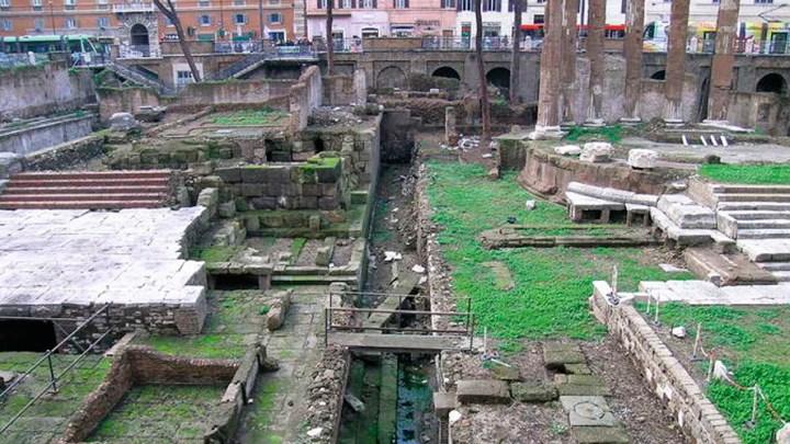 15 Marzo del 44 a.d.C: Julio César no abrió a tiempo el correo 1
