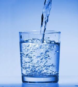 Tomar agua adelgaza