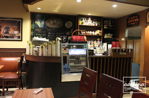 kelly's coffee interior