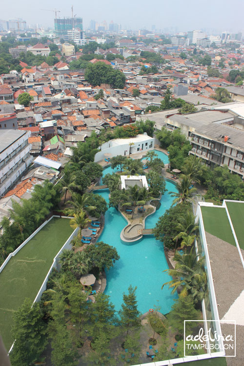 double tree by hilton hotel jakarta diponegoro pool view 1