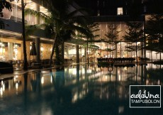 double tree by hilton hotel jakarta diponegoro pool night view