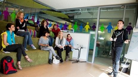 google recursos humanos oficinas nuevas sala reuniones