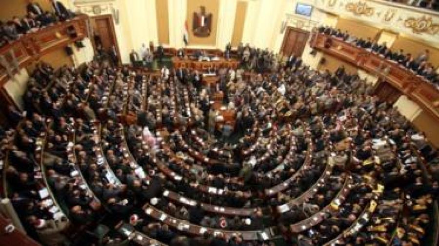 برلمان مصر يوافق على تعديلات دستورية تسمح بتمديد فترة حكم السيسي