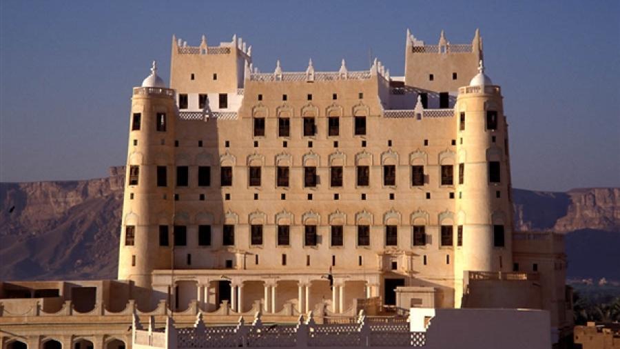 بعد فشلها سابقا.. الحكومة اليمنية تقرر استئناف عقد جلسات البرلمان في إحدى المحافظات المحررة