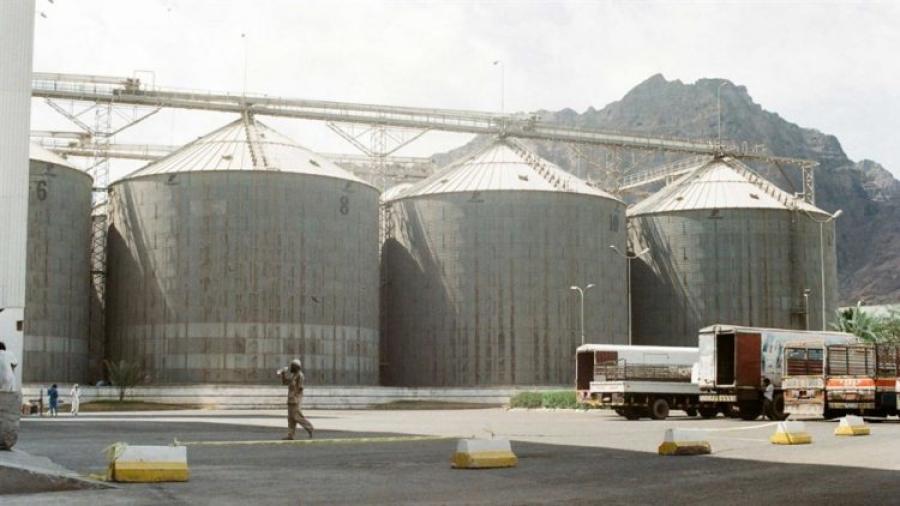 الوزير فتح يطالب بنقل مخازن الأمم المتحدة من الحديدة إلى المناطق المحررة وإيصال المساعدات لكافة المناطق