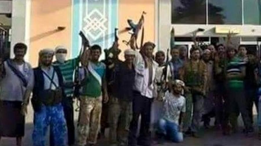"""إمام مسجد من أتباع """"هاني بن بريك"""" في عدن يدعو على أعضاء حزب الإصلاح في صلاة التراويح"""