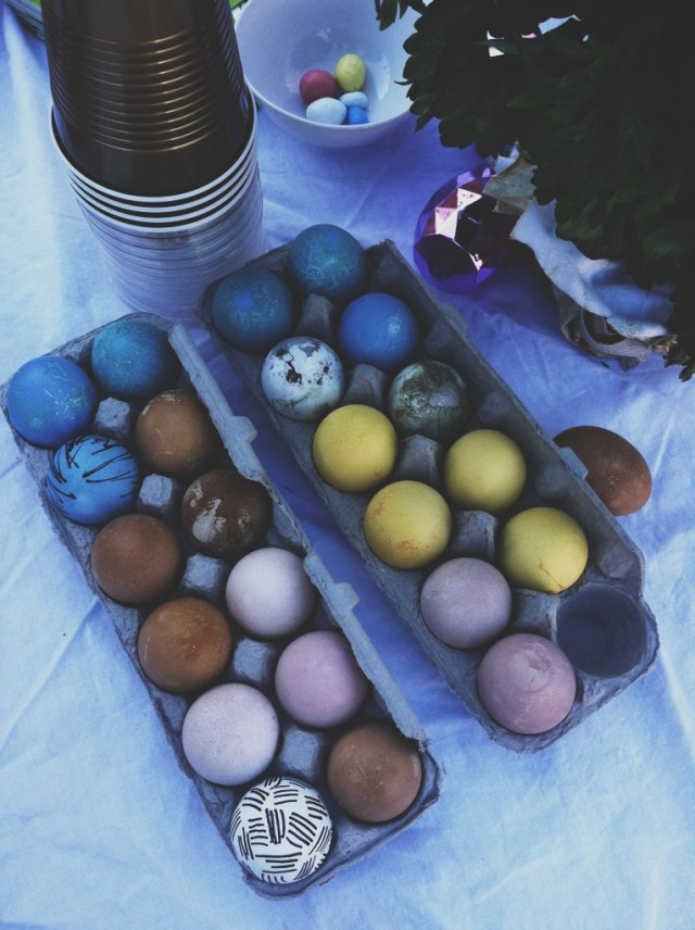 A Denver Home Companion | naturally dyed eggs