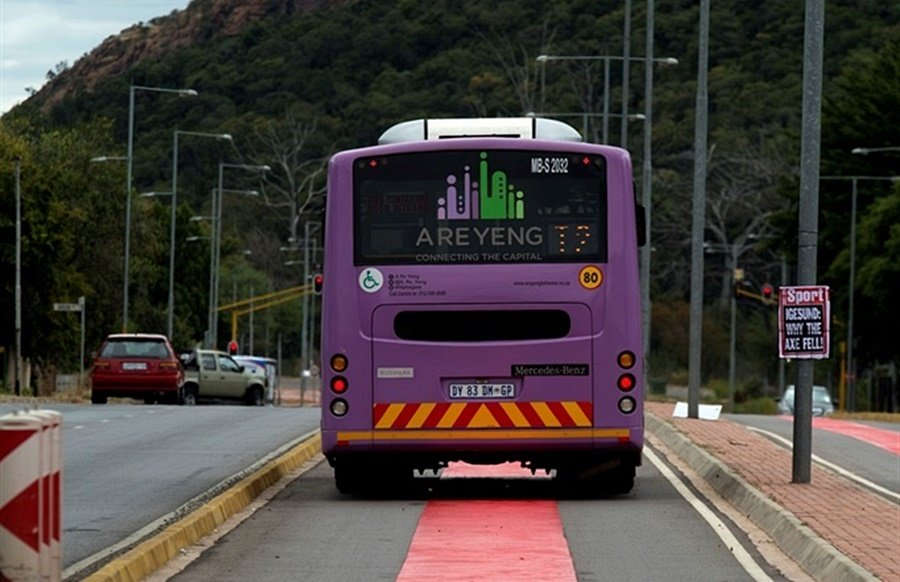 News24.com | Tshwane administrator's plea to commuters: Heed the regulations, stop forcing your way onto buses