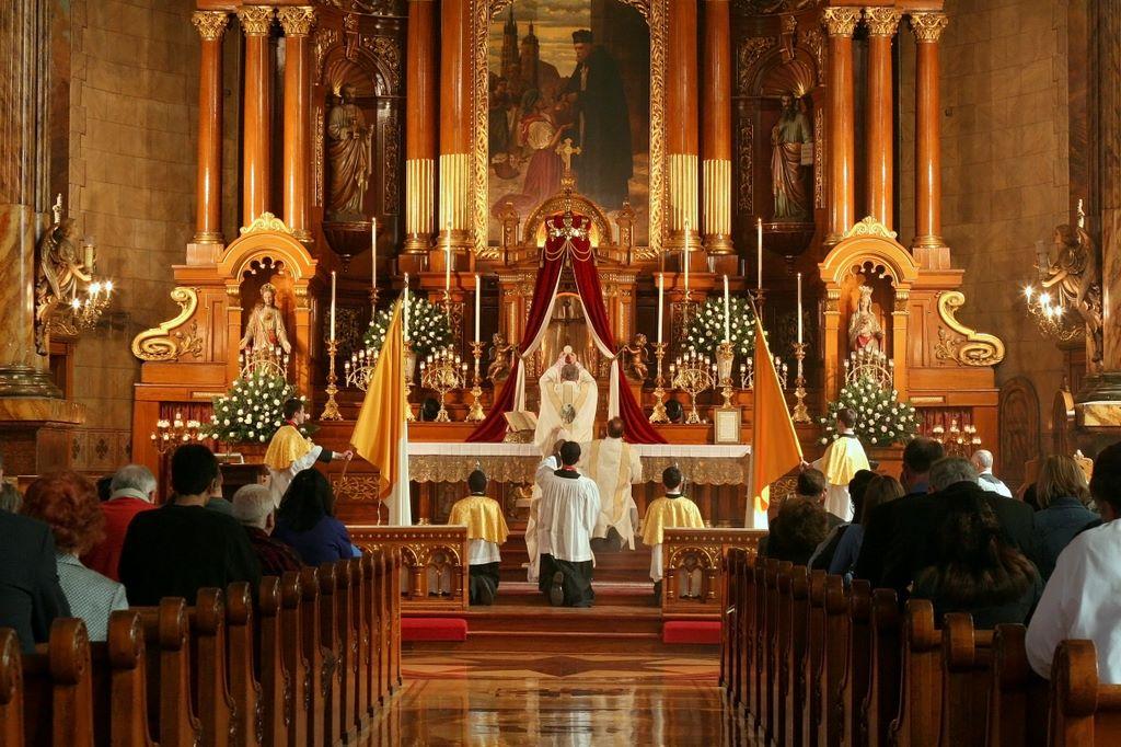 Resultado de imagem para santa missa