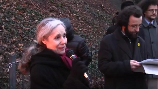 人权组织赫尔辛基委员会主席Táňa Fischerová女士在祈祷会上发言(图片来源:Youtube资料画面)