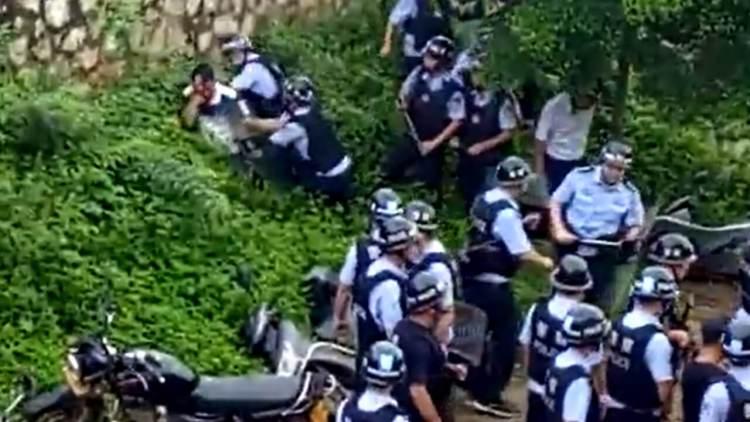 广西爆发警民冲突公安射塑弹镇压