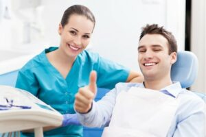 The Importance of Repairing or Replacing Cracked Teeth