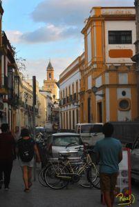 Callejeando es la mejor manera de conocer la cultura, gastronomía, lugares emblemáticos y monumentos históricos de una localidad.