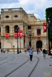 Para los sevillanos el centro histórico, los barrios que lo rodea, el Guadalquivir