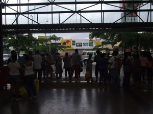 oameni la mall Antananarivo Madagascar