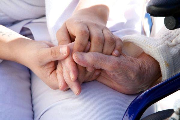 cuidadores de personas dependientes