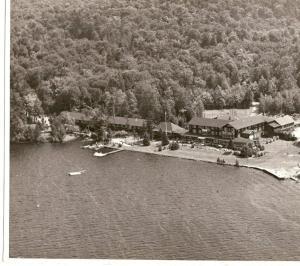 1960 holls inn P000094 Aerial View of Holls Inn
