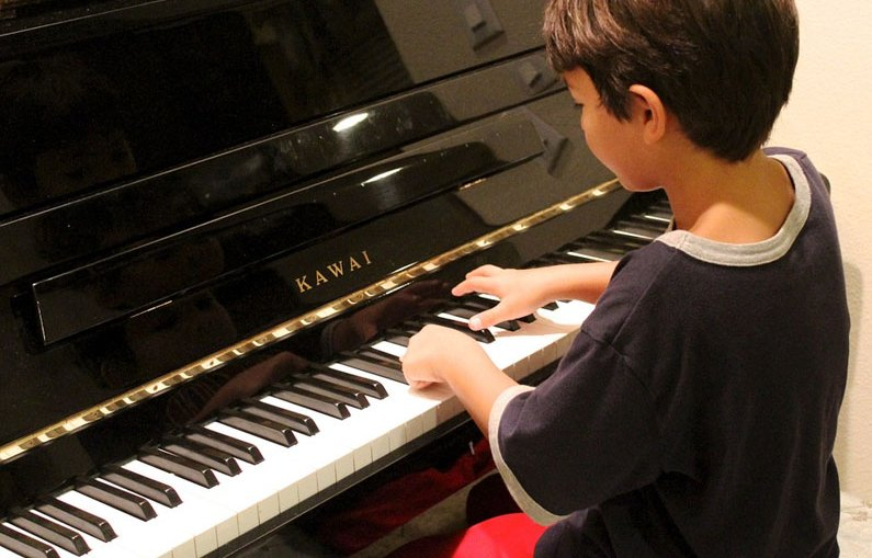 learning-piano