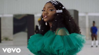Photo of Simi Shares Exciting New Visuals for Latest Single 'Woman' | WATCH