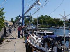 Stepping the mast at Oswego Marina