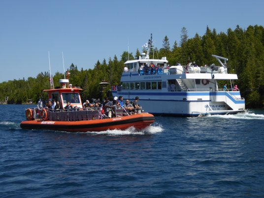 Glass bottom tour boats