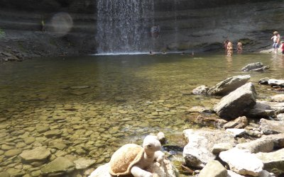 Tilly visits the Bridal Veil Falls