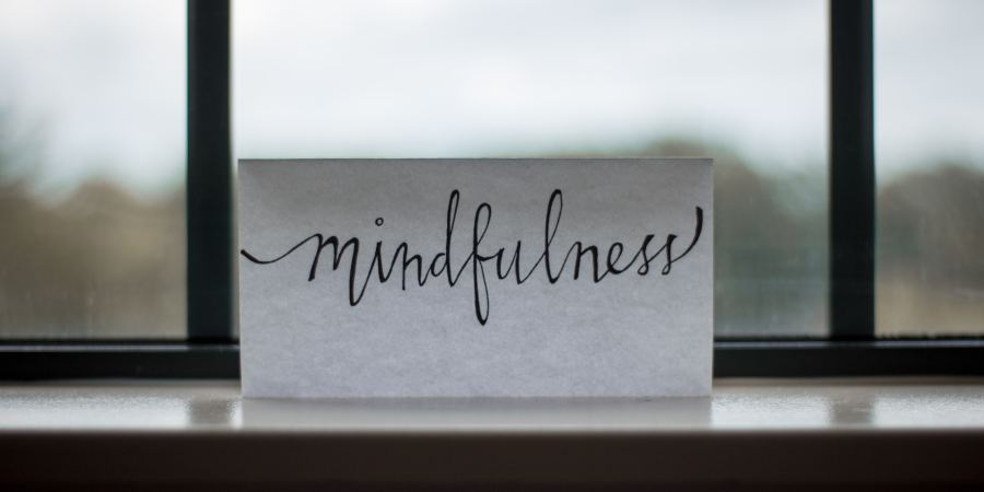7 Easy Ways to Be More Mindful Everyday