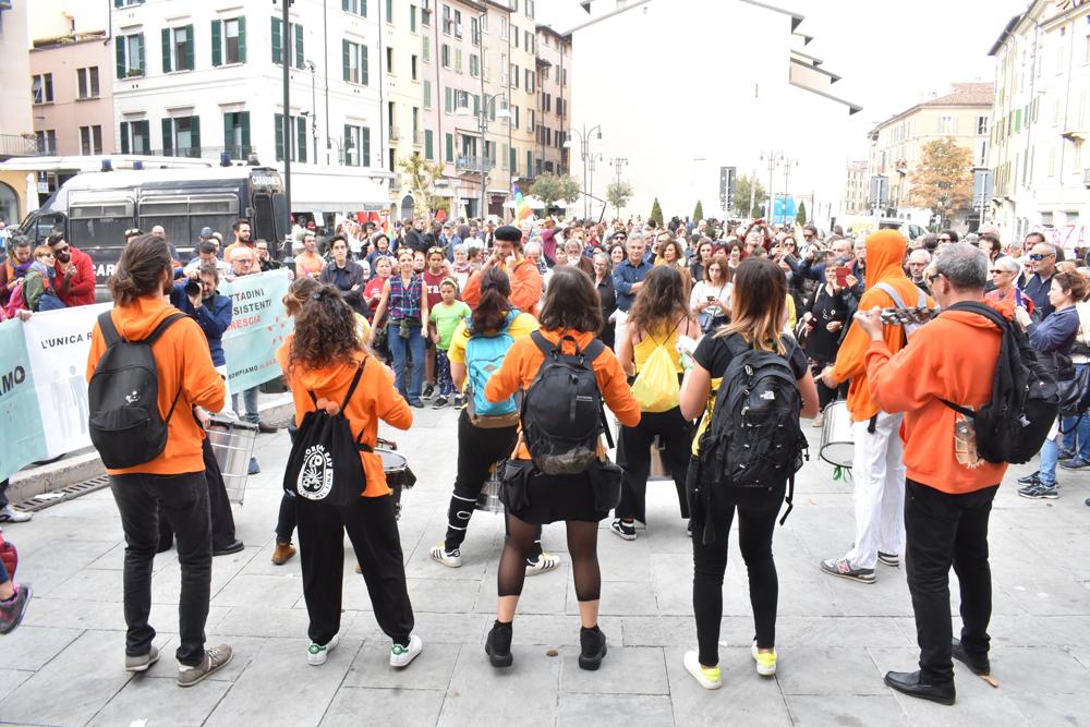 Restiamo Umani in Marcia 2019   Una Brescia senza confini