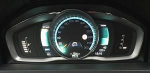 Dashboard van mijn Volvo V60 D6 TE: 10,6 km gereden en nog 40 km voorraad aan stroom