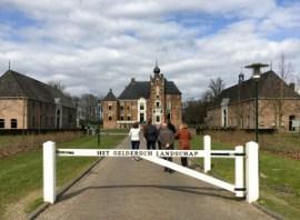 Op weg naar Kasteel Cannenburch in Vaassen (Foto: Ad Lansink)