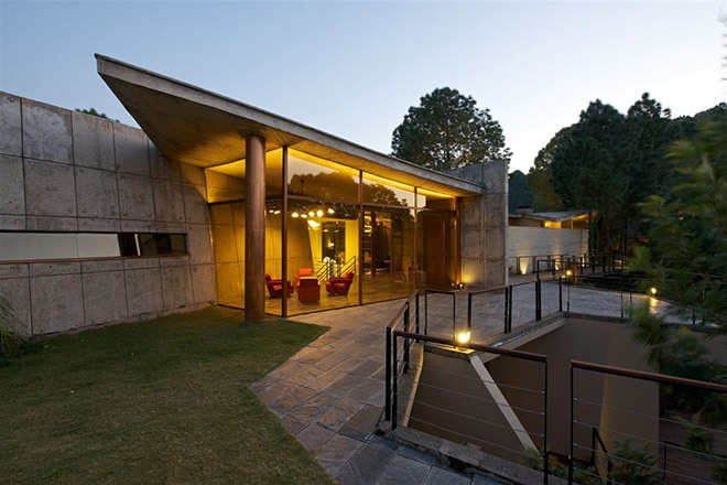 Top 10 Architects in India: House in the Himalayas in Kasauli