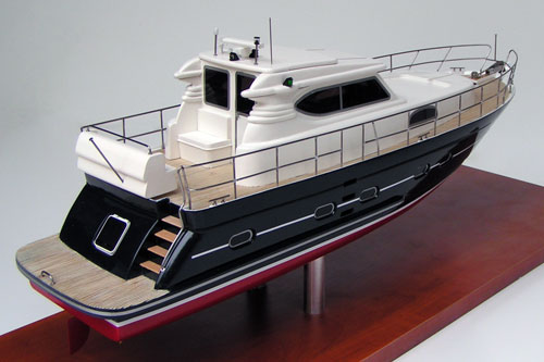 Admiral Company Scale Model Of Yacht Elling E4